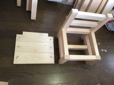 孫娘の椅子をDIYで製作