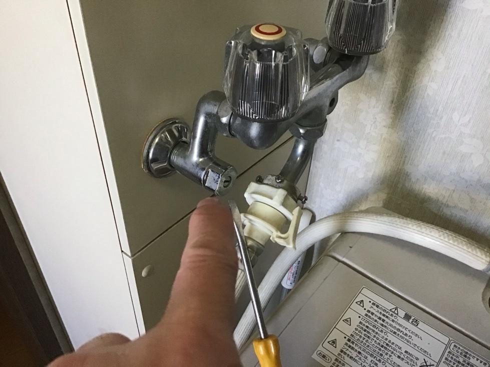 蛇口の水漏れ修理のDIY