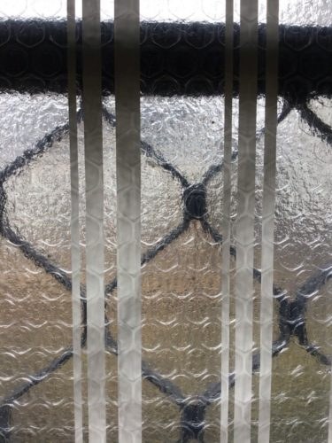 窓ガラス用の結露防止シートを貼ってカビ対策してみた!おすすめはコレ