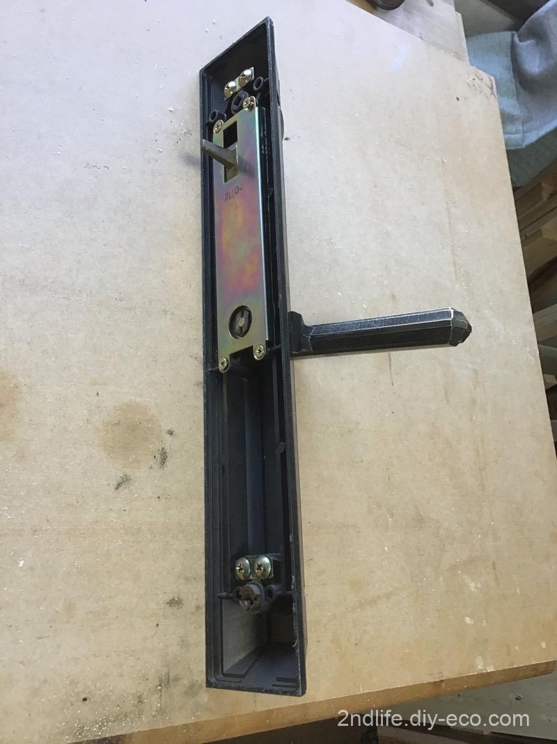 玄関のドアの鍵修理